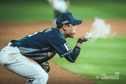 올 시즌 공·수에서 빈틈없는 활약을 펼치고 있는 NC 김태진. NC 제공