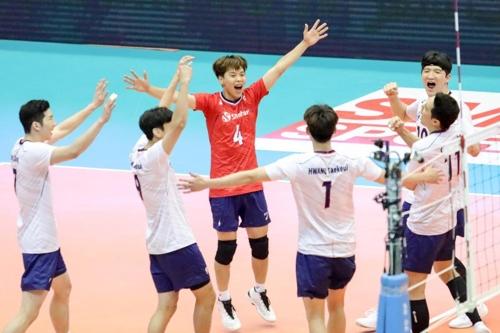 남자 배구 대표팀이 18일 이란 테헤란에서 열린 아시아선수권 8강 라운드 2차전에서 일본을 이겼다. [사진 아시아배구연맹]