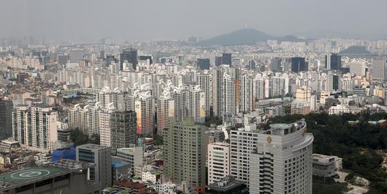 지난달 22일 서울 강남의 아파트 단지들 [뉴스1]
