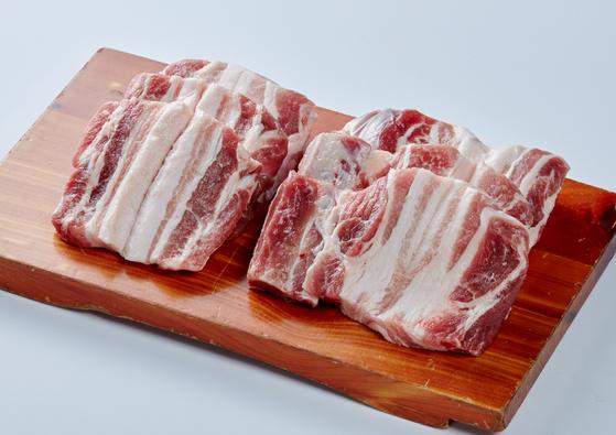 19일 일시이동중지명령이 해제되면서 돼지고기 도매가격 상승세는 멈췄다. 사진은 삼겹살. [중앙포토]