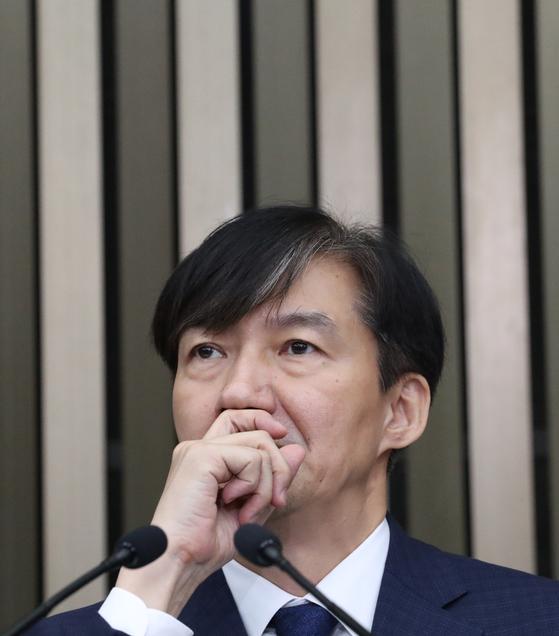 '조국 발(發)' 정시확대론…한국당은 수시완전 폐지 법안 발의