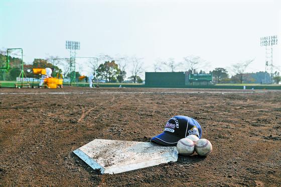 반일 정서 영향으로 프로야구단들이 전지훈련지로 선호했던 일본에서 발을 빼고 있다. 두산이 사용했던 미야자키현 사이토시 야구장. [중앙포토]