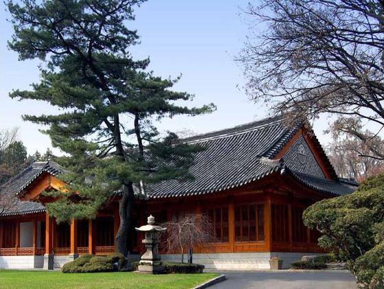 주한미국대사관의 관저인 하비브하우스는 한옥 양식을 살렸다. [사진 주한미국대사관]