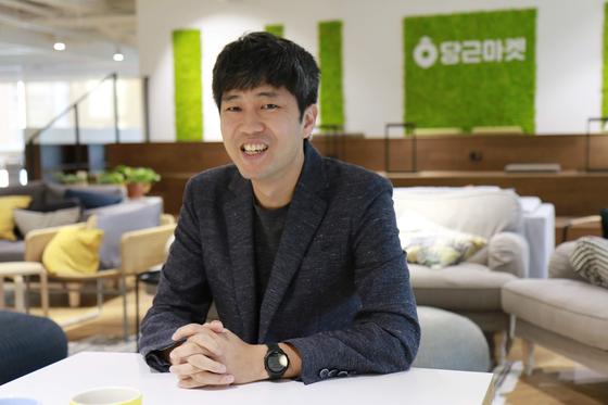 월 500억 거래 온라인 벼룩시장, AI가 아이쇼핑 재미 살렸다