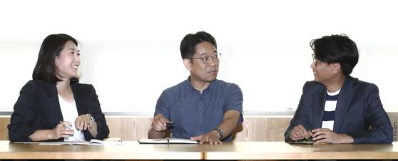'386 세대유감' 저자 3인방(심나리·김정훈·김항기, 왼쪽부터) 인터뷰가 지난달 28일 중앙일보 9층에서 열렸다. 임현동 기자