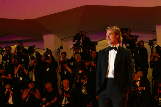 지난 8월 이탈리아 베니스국제영화제 경쟁부문 초청된 영화 '애드 아스트라'의 배우와 제작진이 레드카펫을 밟고 있다. [사진 이십세기폭스코리아]