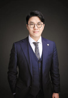 법률사무소 그날의 전용탁 대표 변호사는 대구지역 이혼 전문 변호사다.