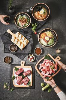㈜이차돌은 합리적 가격으로 고객에게 차별화된 음식을 제공한다.