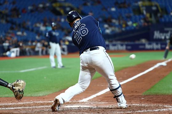 탬파베이 최지만이 25일 양키스전에서 연장 12회 끝내기 홈런을 터뜨렸다. [USA투데이=연합뉴스]