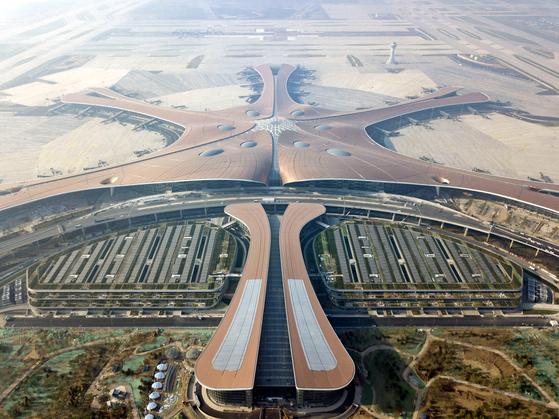 25일 개항항 중국 베이징 다싱공항 터미널의 모습.[신화=연합뉴스]