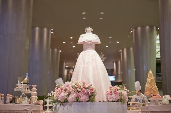 워커힐 '뷰리퓨리 더프린세스'는 유럽 왕실의 티 파티를 주요 테마로 꾸몄다. [사진 워커힐호텔]