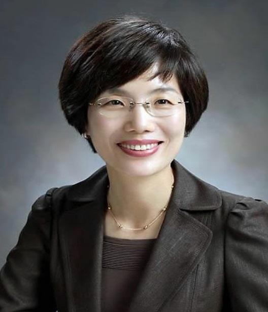 국가공무원인재개발원 원장에 임명된 박춘란(54·행정고시 33회) 전 교육부 차관. [사진 청와대]