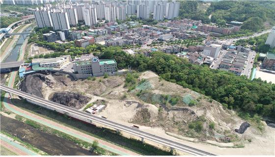 의정부 지역에 불법으로 쌓여있던 폐기물 처리장 전경. [사진 환경부]