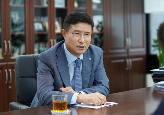 현학진 피플라이프 회장