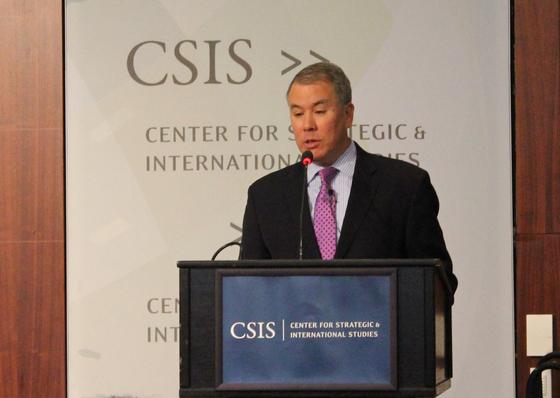 존 루드 미 국방부 차관이 워싱턴에서 열린 중앙일보-CSIS 포럼에서 연설하고 있다. 이광조 JTBC 카메라 기자