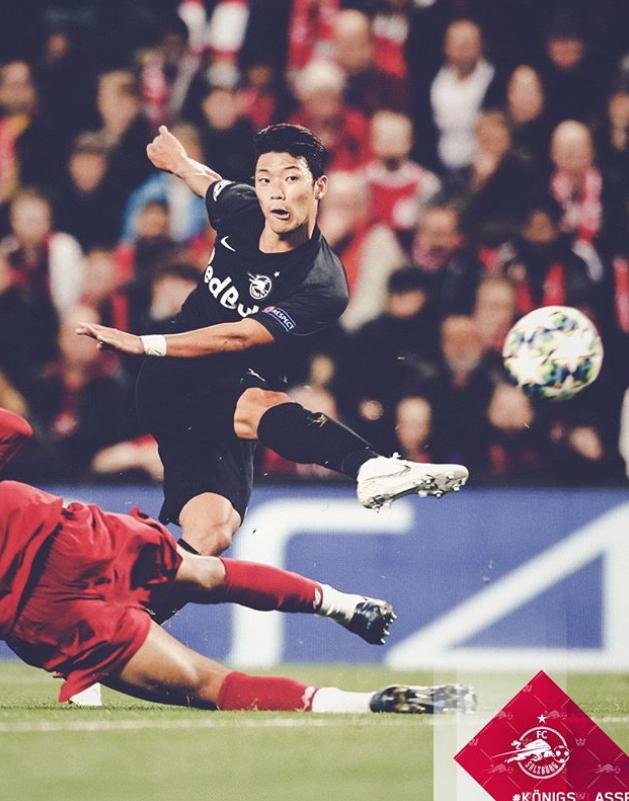 리버풀전에서 1골 1도움을 올리며 맹활약한 잘츠부르크 황희찬. [사진 잘츠부르크 소셜미디어]