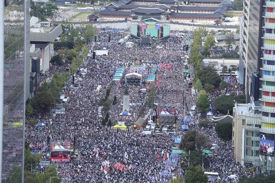 3일 오후 서울 중구 태평로일대에서 열린 대규모 집회 현장. 임현동 기자