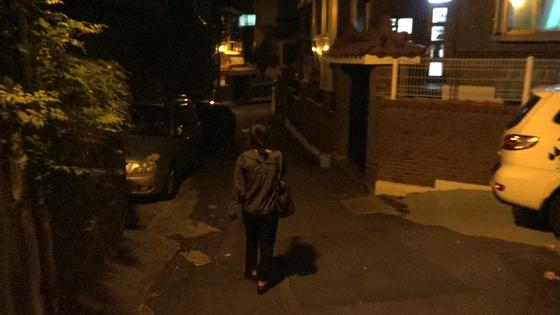 여성안심귀갓길로 지정되지 않은 신림동 일대의 일반 주택가. 영상캡쳐=왕준렬