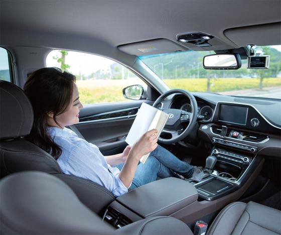 사람이 운전대를 잡지 않아도 되는 완전 자율주행차 시대가 열리기까지는 적잖은 시간이 걸릴 전망이다. / 사진:ⓒ gettyimagesbank