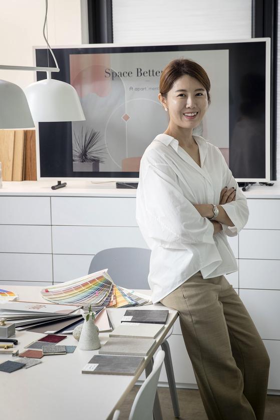 윤소연 아파트멘터리 대표가 지난 9월 26일 오후 서울 한남동 사옥에서 포즈를 취했다. 장진영 기자