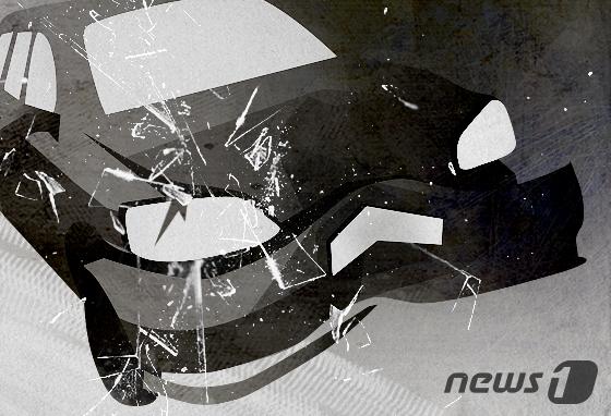 6일 오전 10시30분쯤 서울 강남구 신사동에서 차량 3대가 연이어 부딪쳐 3명이 다치는 사고가 발생했다. [뉴스1]