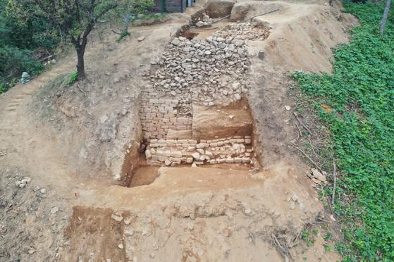 삼국 시대에 돌로 쌓아 만든 '석성'으로 첫 확인된 경기도 고양시 행주산성. [사진 고양시]