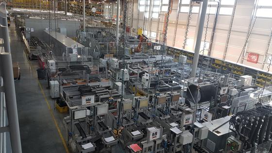 독일 쾰른에 있는 이구스 본사에선 1년간 약 20억회의 테스트가 이뤄진다. 쾰른(독일)=박민제 기자