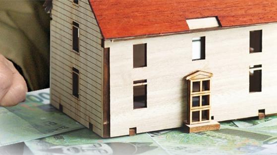 노후 안전판 퇴직연금을 중도인출해서 집을 사는 근로자가 늘고 있다. [중앙포토]