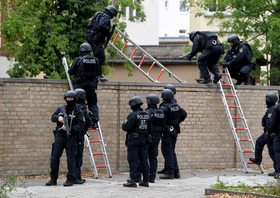 독일 동부 도시 할레에서 9일(현지시간) 총격 사건이 발생했다. [EPA=연합뉴스]