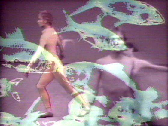 Merce by Merce by Paik: Part One: Blue Studio: Five Segments 1975-1976 Single-channel videotape, colour, sound. 15min, 38sec. Part of Merce by Merce by Nam June Paik. In collaboration with Charles Atlas, Merce Cunningham, and Shigeko Kubota. Music: John Cage, David Held. Host: Russell Connor Courtesy of Electronic Arts Intermix (EAI), New York.  [사진 테이트 모던]