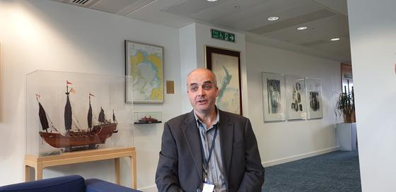 데이비드 산틸로 그린피스 연구소 해양분야 선임과학자. 그는 런던의정서 당사국 총회에서 일본 정부가 후쿠시마 원전 오염수에서 삼중수소를 제거하는 기술을 쓰지 않고 있다고 지적했다. 런던=김성탁 특파원