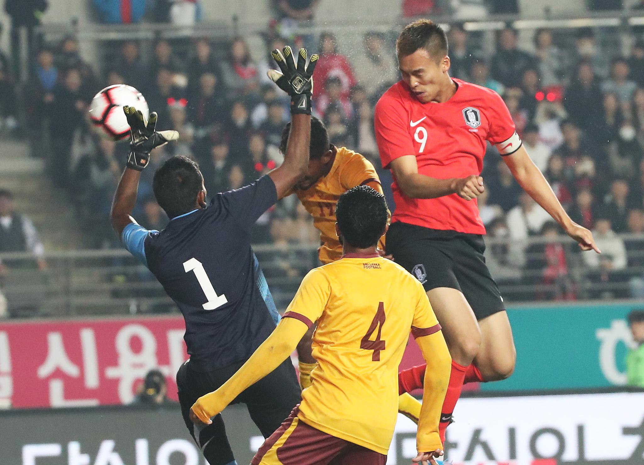 김신욱이 네 골을 몰아친 한국은 벤투호 출범 이후 최다득점(8골)을 기록했다. [연합뉴스]