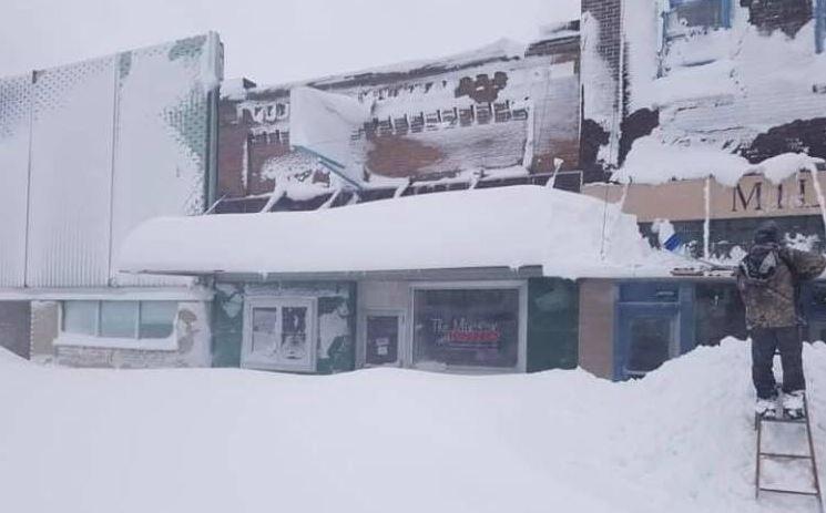 미국 노스다코타주에 지난 주말 때 이른 눈 폭풍이 몰아쳤다. [사진 트위터 캡처]