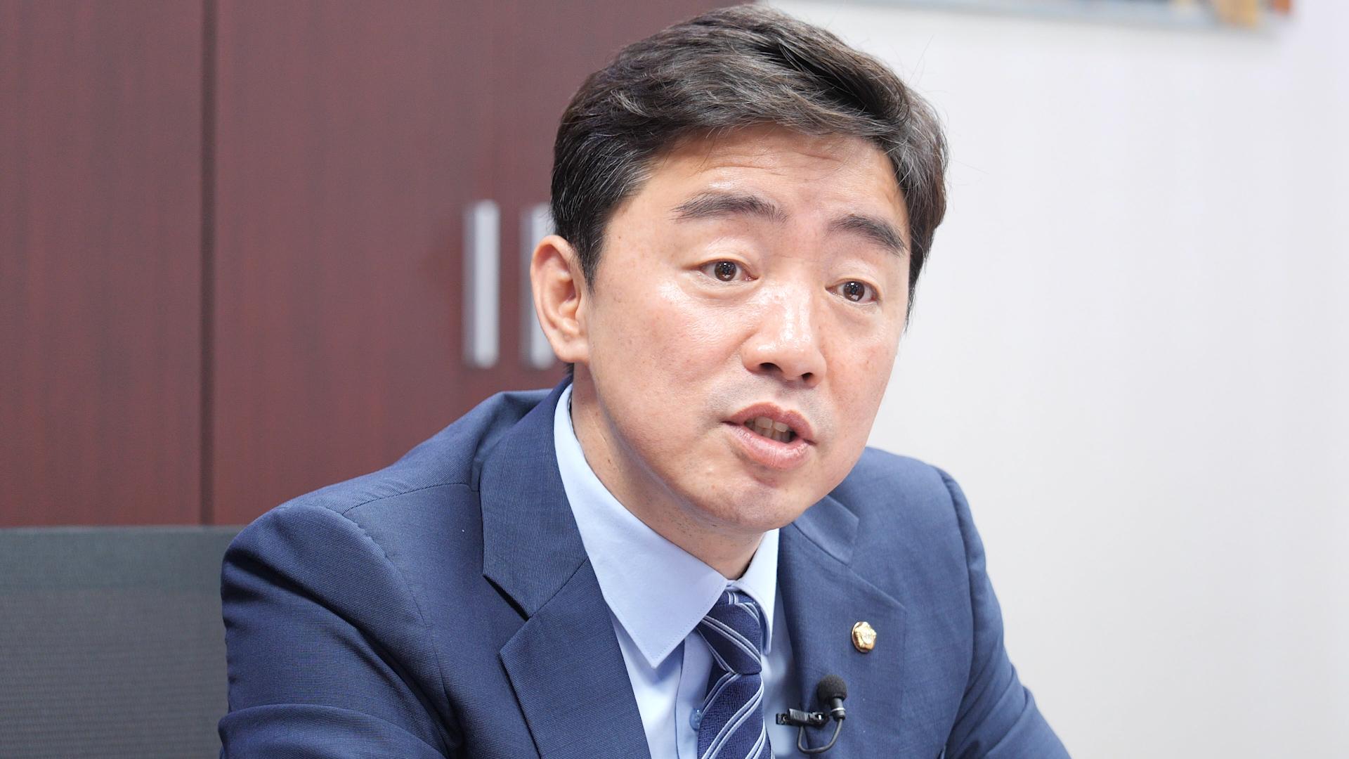 지난 5월 중앙일보와 인터뷰 중인 민주당 강훈식 의원.