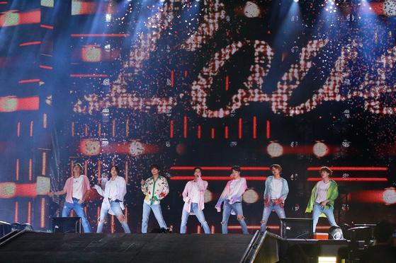 사우디 해외 가수 첫 스타디움 주인공은 BTS