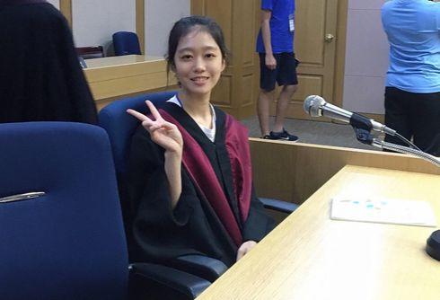 소년중앙 김나연 학생기자는 모의재판에서 검사 역할을 맡았다.