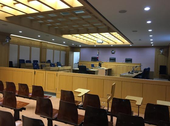 법교육 프로그램을 진행하는 사법연수원의 모의재판실.