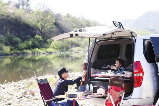 캠핑족, 텐트 필요 없는 '차박'에 꽂혔다
