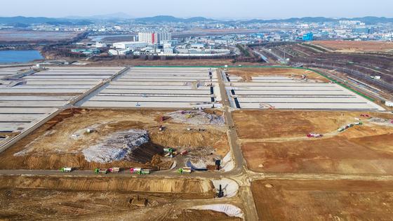 지난해 9월부터 서울·인천·경기에서 나오는 쓰레기를 처리하는 인천 서구 수도권매립지 3-1매립장. 계획보다 9개월 이른 2024년 11월 포화가 될 전망이다. [사진 수도권매립지관리공사]