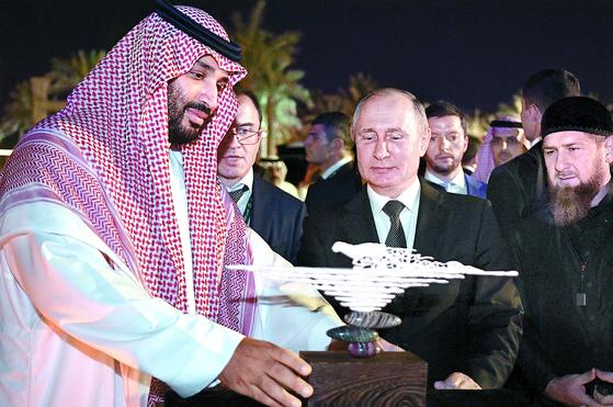 푸틴 12년 만에 사우디 방문