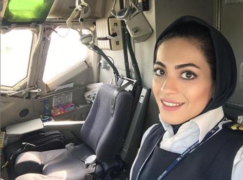 이란 여성 최초로 기장이 된 네샤트 자한다리. [인스타그램 캡처]