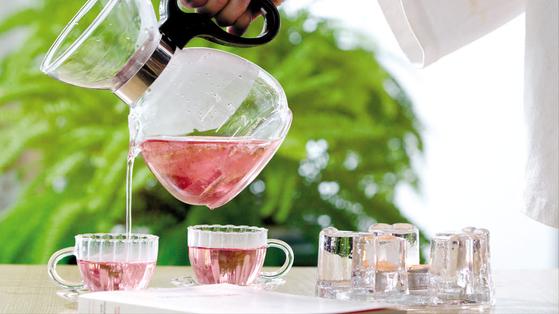 최근 출시된 무궁화 차 '무궁화다'는 무궁화의 은은한 향과 단맛을 살린 것이 특징이다. [사진 대한민국 식품대전 사무국]