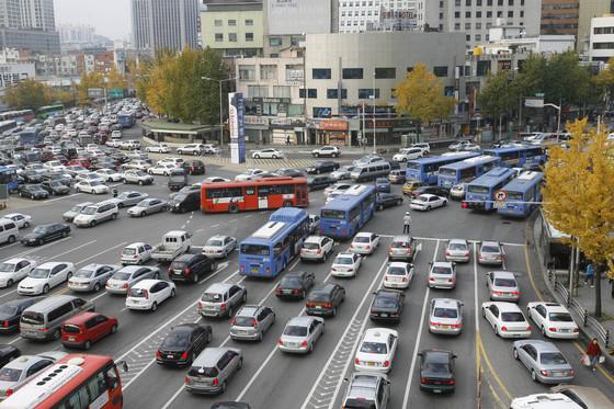서울역앞 교통 체증. [중앙포토]