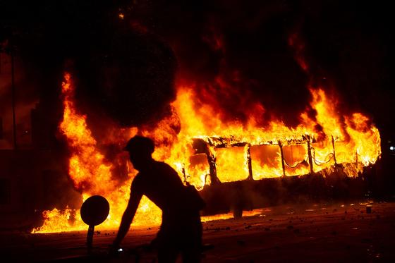 격화하고 있는 칠레 시위 [AFP=연합뉴스]