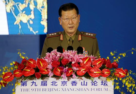 김형룡 북한 인민무력성 부상이 21일 베이징 샹산포럼에서 연설하고 있다. [로이터=연합뉴스]