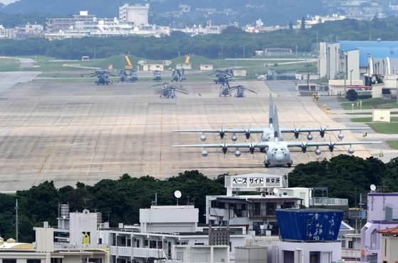 일본 오키나와현 기노완시에 있는 주일미군 후텐마 기지 전경. 미국은 오키나와 등 일본에 신형 중거리 미사일을 배치하기를 원하고 있다. [AFP=연합뉴스]