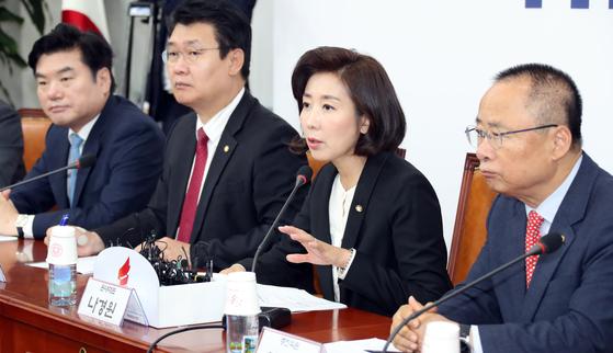 나경원 패트 공천 가산점에…조폭논리 코미디공천 비난