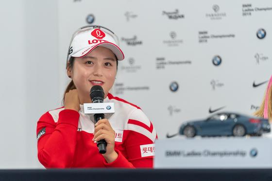 22일 열린 BMW 레이디스 챔피언십 공식 미디어데이에서 LPGA 진출에 대한 생각을 밝히는 최혜진. [사진 BMW코리아]