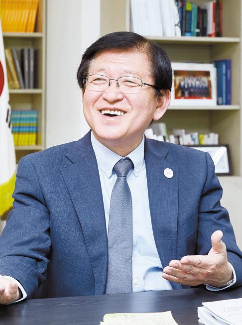 서상목 회장은 아태푸드뱅크 컨퍼런스가 빈곤 해소에 기여할 것으로 기대한다. [프리랜서 조인기]