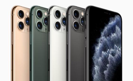 애플이 지난달 출시한 아이폰 11 시리즈의 국내 판매가 25일부터 시작됐다. [사진 애플코리아]